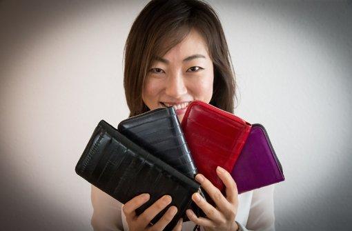 In der Region leben kreative Köpfe wie zum Beispiel Taschendesignerin Jungmi Ha – sie entwirft Handtaschen in jeder Größe. Foto: Lichtgut/Achim Zweygarth