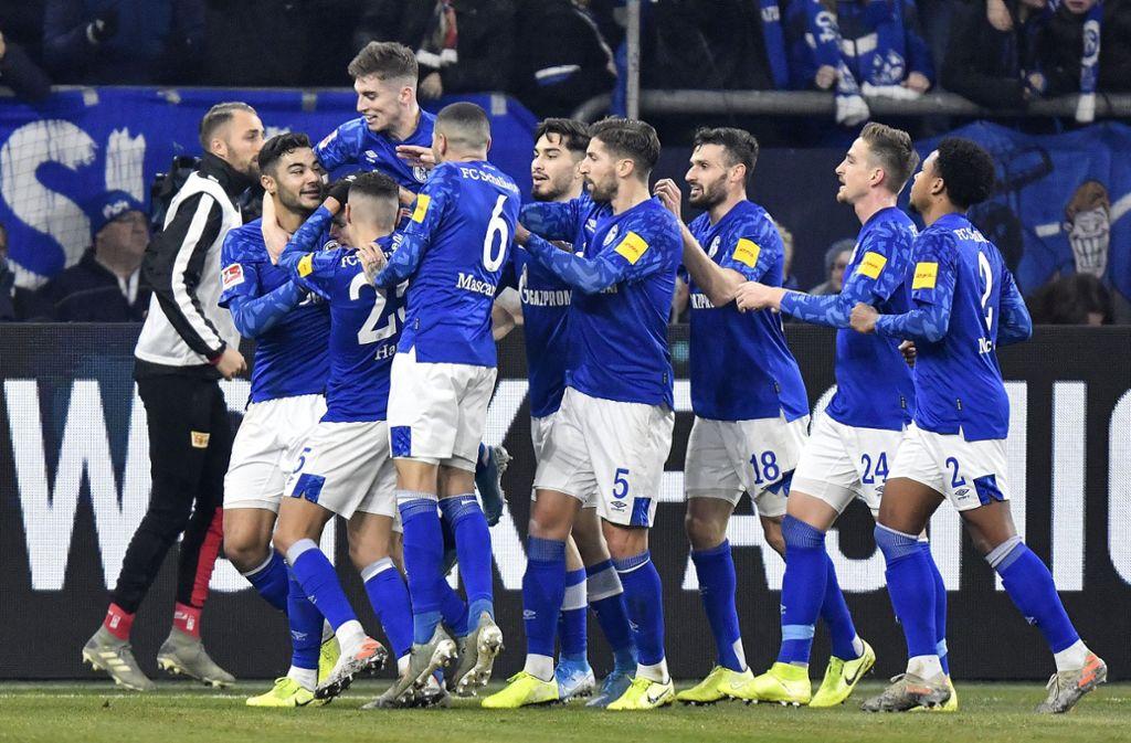 Schalke klettert dank des Sieges auf Platz zwei in der Fußball-Bundesliga. Foto: AP/Martin Meissner