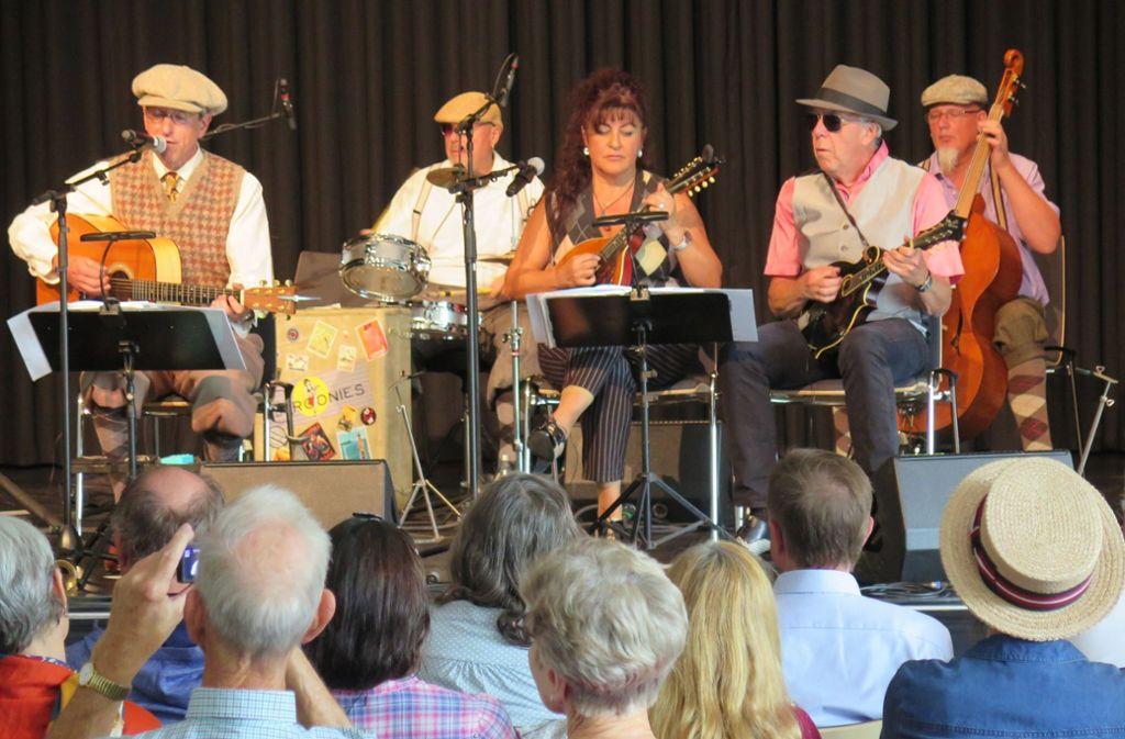 Die Croonies präsentieren im Bürgerhaus alte Schlager.Foto: Brigitte Hess Foto: