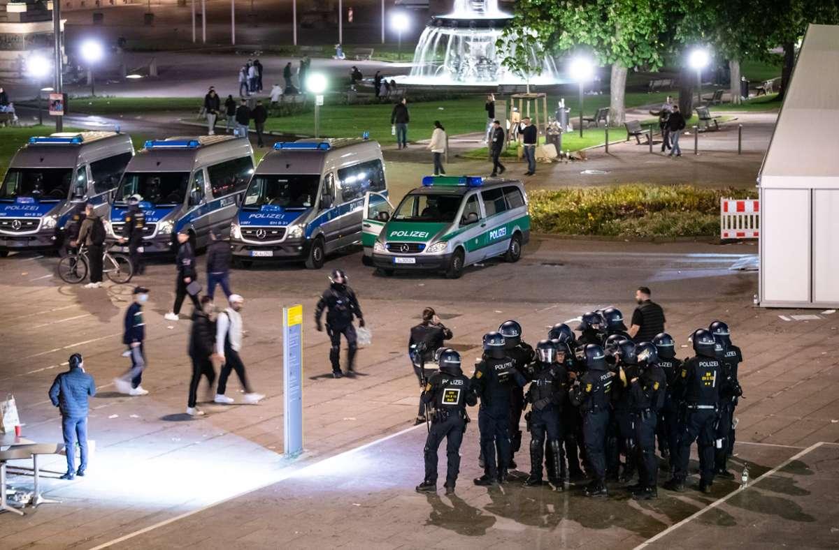 Polizeieinsatz auf dem Schlossplatz Stuttgart. Foto: dpa/Christoph Schmidt