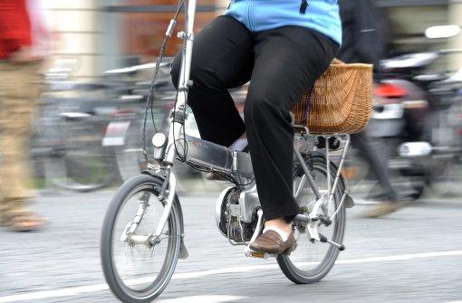 Gewunken und gestürzt – E-Bike-Fahrer schwer verletzt