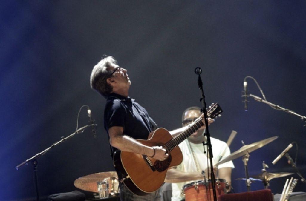 Kann am Mittwochabend nicht auf der Bühne stehen: Eric Clapton. Foto: dpa