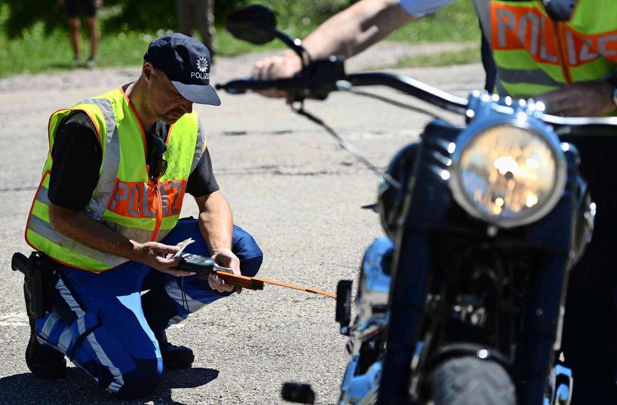 Mehr Polizeikontrollen fordern die Büsnauer schon lange. Foto: Symbolbild dpa/Patrick Seeger
