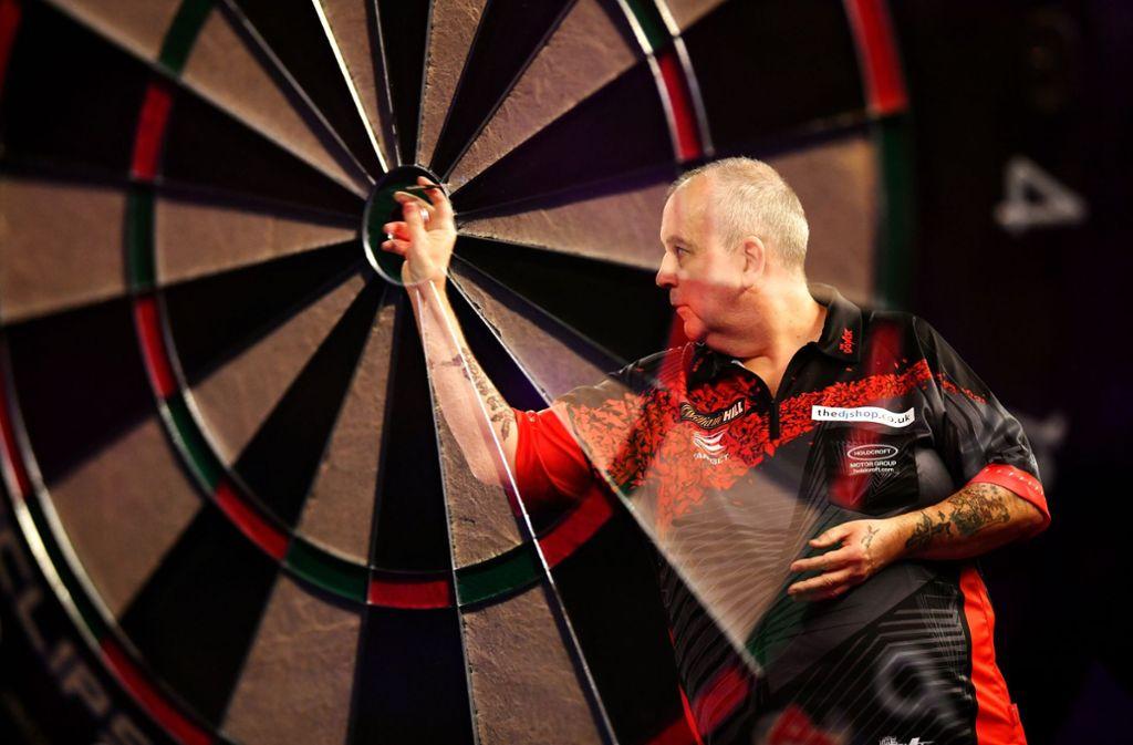 Phil Taylor ist seinem Ziel, als Weltmeister abzutreten, ein Stück näher gerückt. Foto: Getty Images Europe