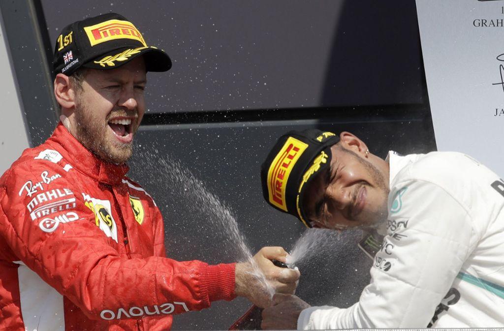Lewis Hamilton (rechts) und Sebastian Vettel – sind sie auch 2019 die Alleinunterhalter auf dem Podest? Foto: AP