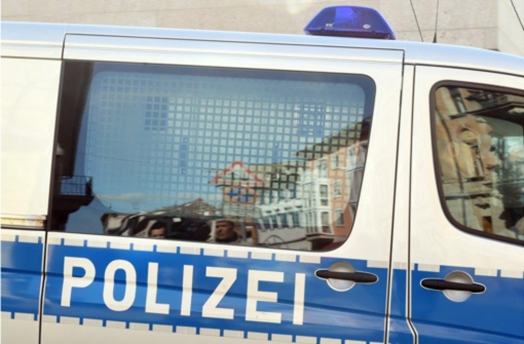 Die Polizei sucht nach einer Attacke auf den Mitarbeiter einer  Werbeagentur nach dem Täter. Foto: dpa