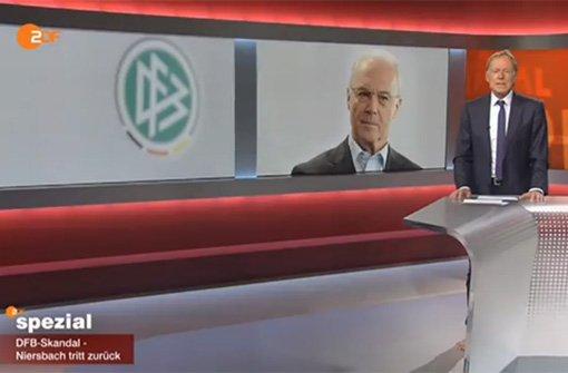 Poschmann moderiert barfuß