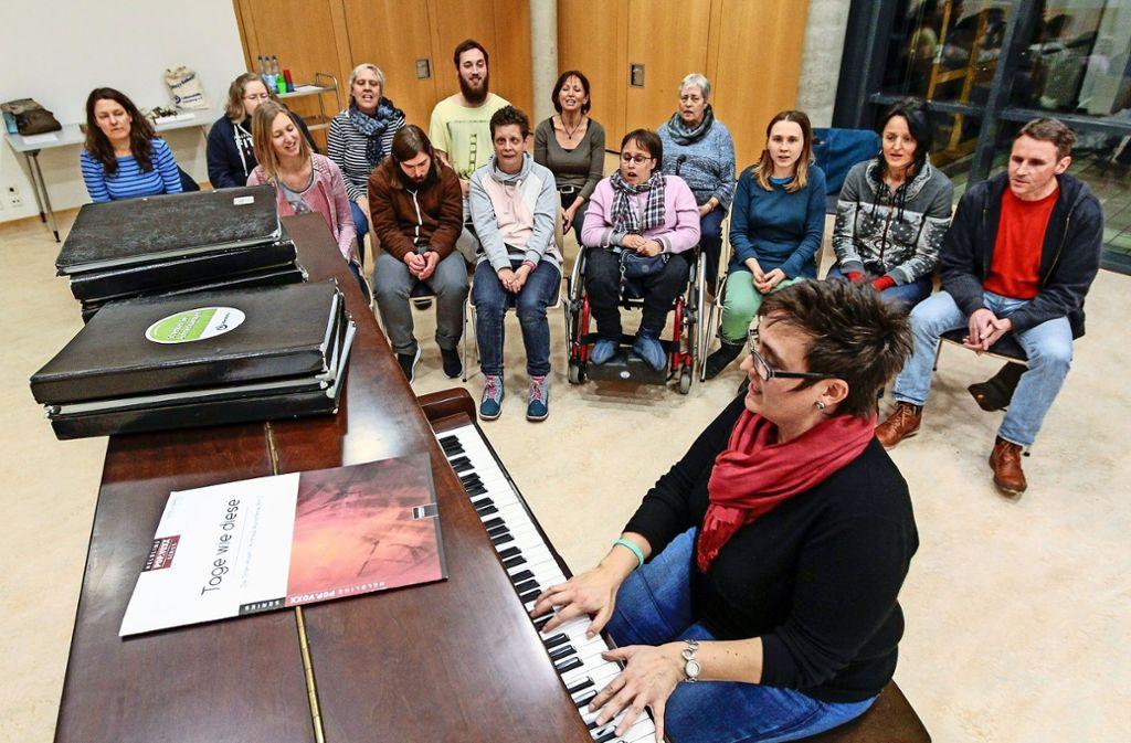 Interessenten willkommen: Der Chor probt alle zwei Wochen in den Räumen der Lebenshilfe. Foto: factum/Bach