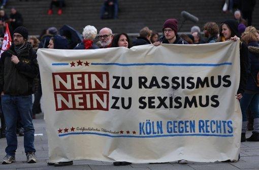 Die Wogen gehen hoch wegen der Geschehnisse an Silvester auf der Kölner Domplatte. Für das Wochenende hat der Kölner Ableger von Pegida eine Demonstration geplant. Foto: dpa