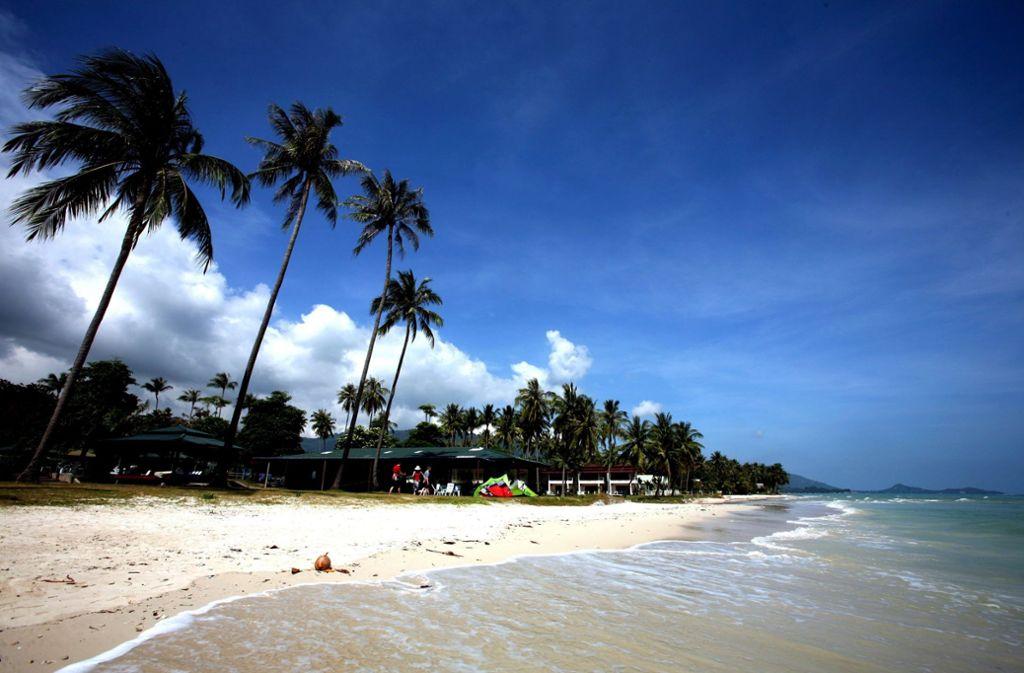 An einem thailändischen Strand ist ein deutscher Tourist ums Leben gekommen (Symbolfoto). Foto: EPA