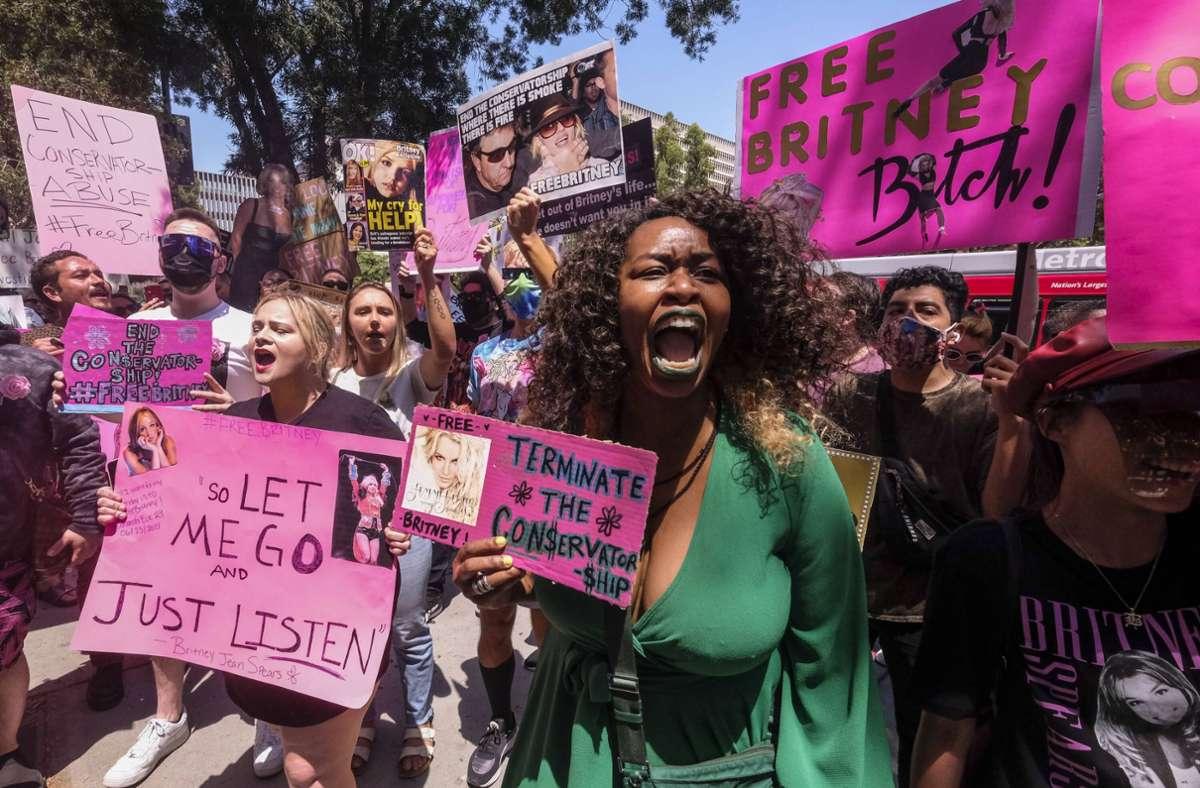 In Los Angeles demonstrieren Fans im Juni für Britneys Freiheit. Foto: imago images/ZUMA Wire/Ringo Chiu via www.imago-images.de