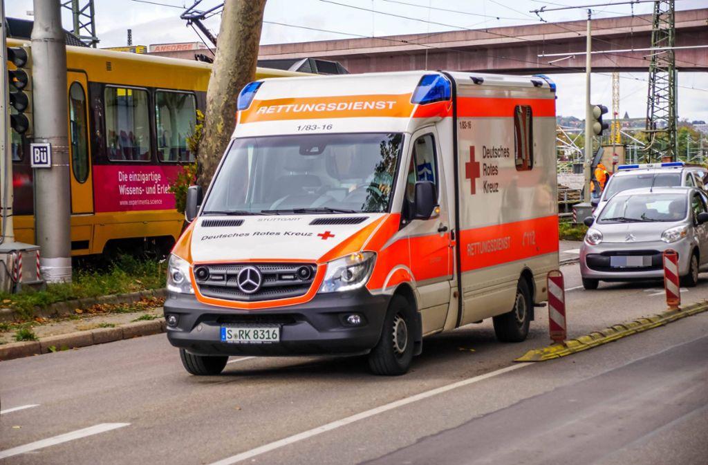 Der Autofahrer wurde verletzt, der Stadtbahnfahrer erlitt einen Schock. Foto: 7aktuell.de/Andreas Werner