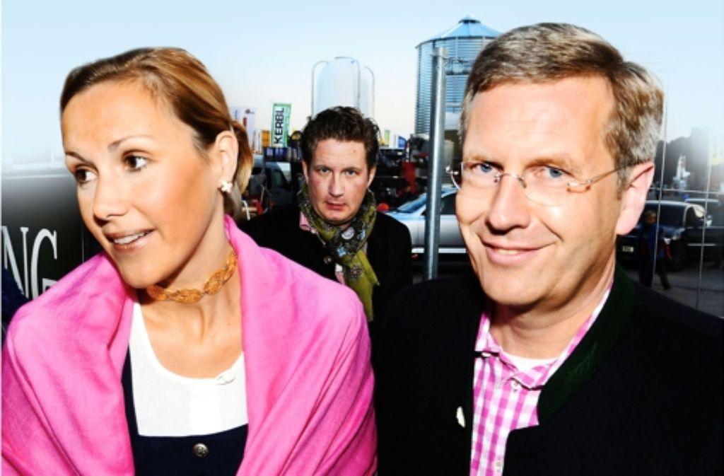 Christian Wulff  und Frau  Bettina wurden beim Oktoberfest 2008 in München vom Medienunternehmer David  Groenewold eingeladen. Foto: dpa