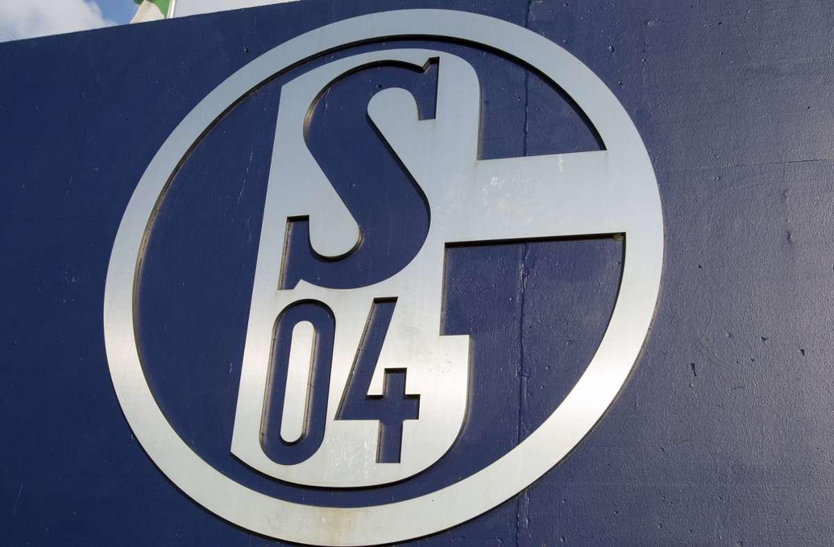 Ein Schalke-Spieler ist positiv auf das Coronavirus getestet worden (Symbolbild). Foto: imago images/Krystof Kriz