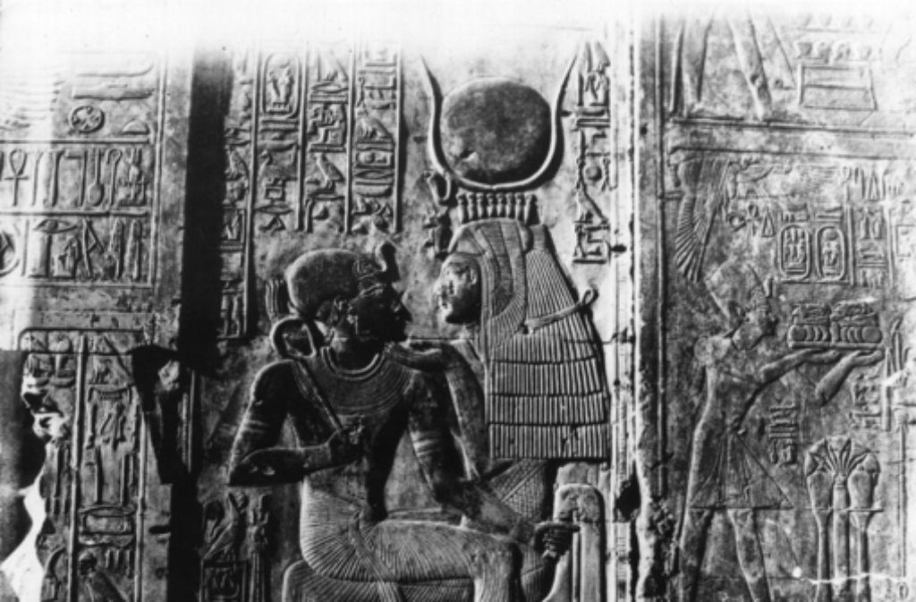 Die ägyptische Göttin Isis nährt den Horus-Knaben, ihren Sohn. Foto: Getty