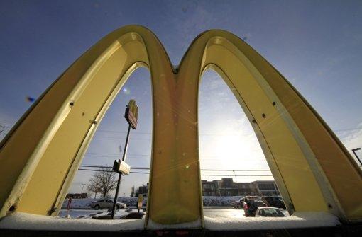 Glückliche Mitarbeiter für McDonald's
