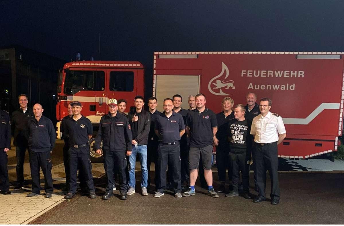 Die Feuerwehrleute wurden vom Landrat Richard Sigel verabschiedet. Foto: Landratsamt Waiblingen