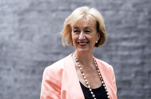 Wichtige Ministerin von Theresa May tritt zurück