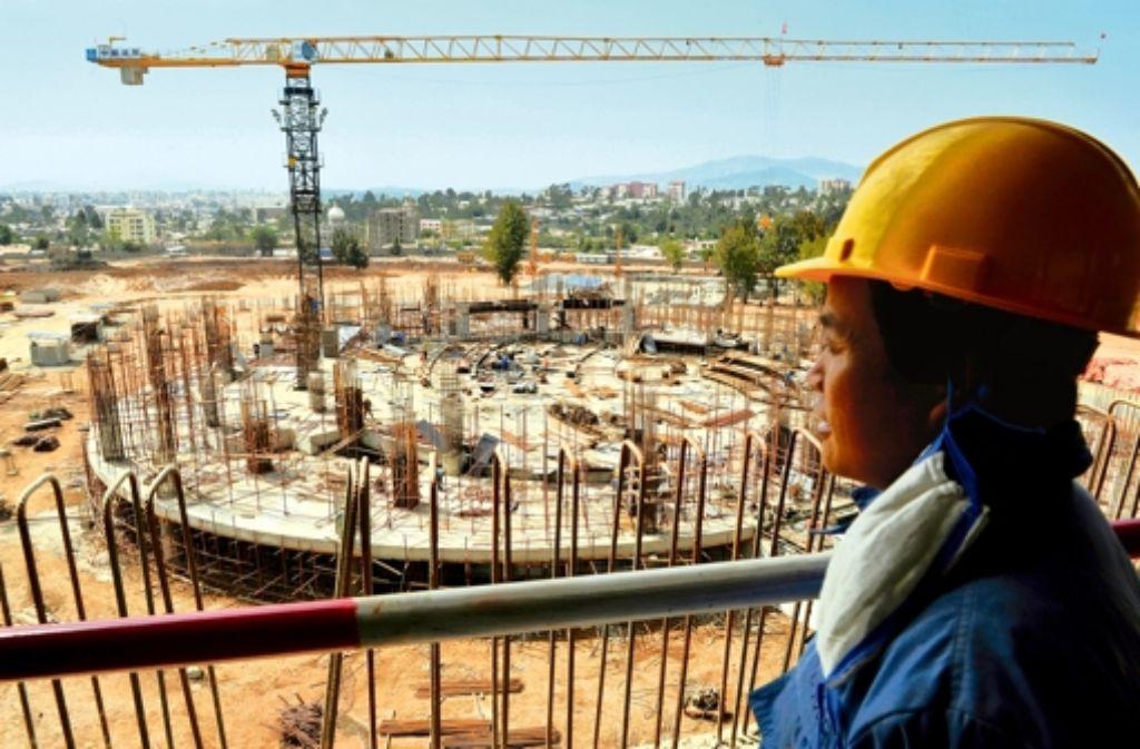 Chinesische Konzerne sind, wie hier in der äthiopischen Hauptstadt Addis Abeba, auch am Bau sehr oft mit von der Partie. Foto: AFP