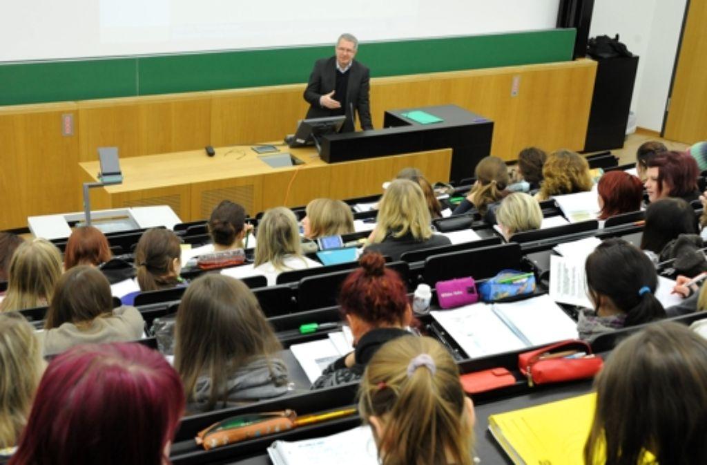 Die Lehrerausbildung an Universitäten soll neu gestaltet werden. Foto: dpa