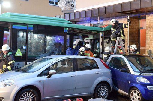 Mindestens 43 Kinder bei Schulbus-Unfall verletzt