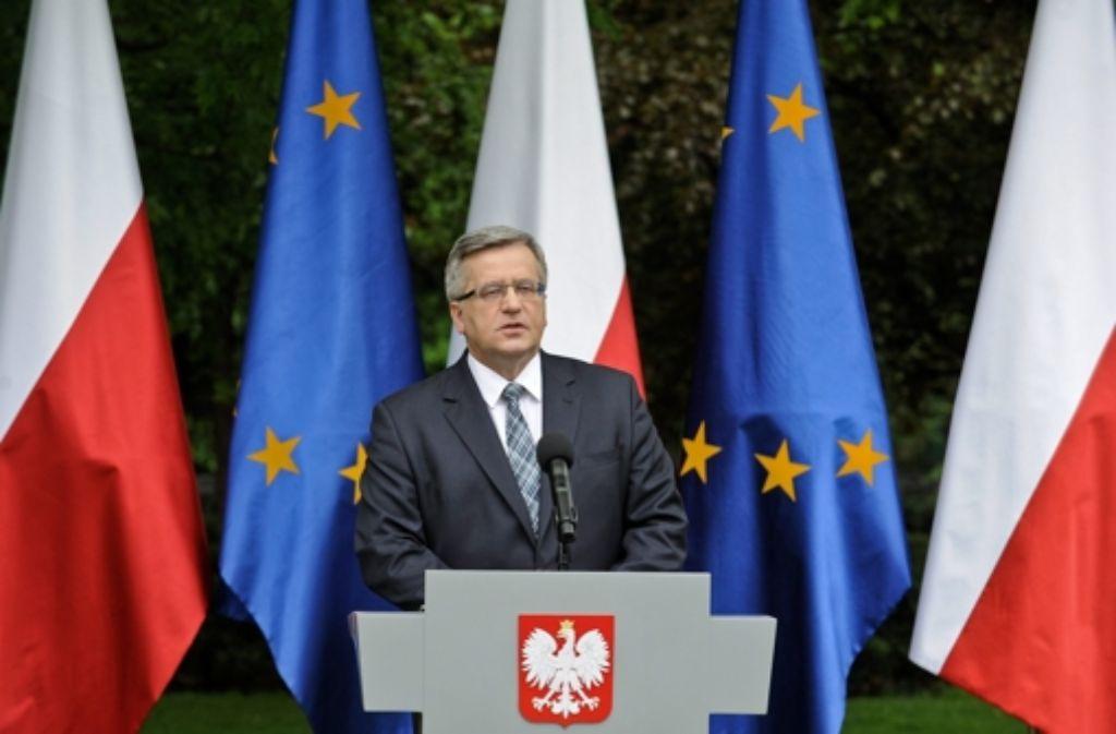 Präsident Komorowski versucht seinen zweiten Platz zu erklären. Foto: PAP