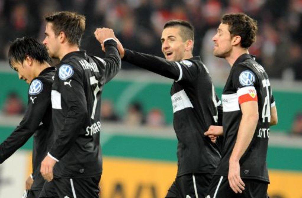In einem rassigen Pokalfight besiegt der VfB Stuttgart den 1. FC Köln mit 2:1 und zieht dadurch ins Viertelfinale des DFB-Pokals ein. Foto: dpa