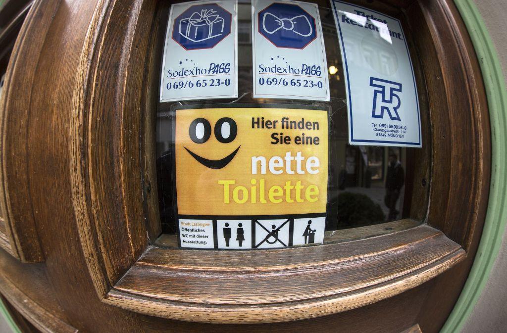 """In Esslingen gibt es beierst eine """"nette Toilette"""". Foto: Horst Rudel"""