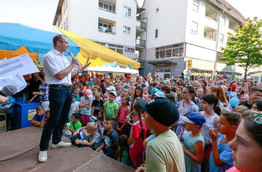 Die Backnanger Innenstadt wird beim Kinderfest zum riesigen Spielplatz. Foto: www.alexbecher.de