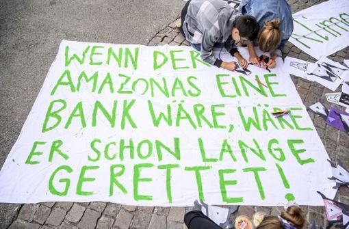 """Merkel sieht """"akute Notlage"""" am Amazonas"""