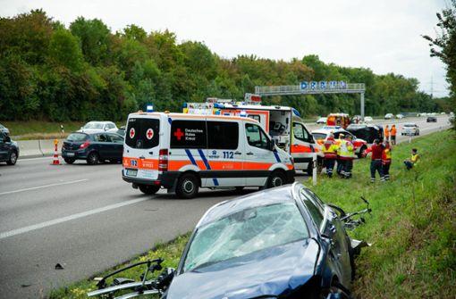 Autos überschlagen sich – Sechs Verletzte und langer Stau