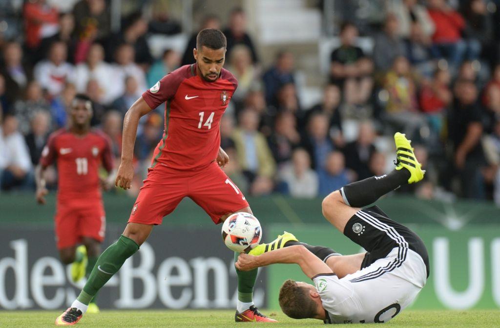 Den deutschen U19-Junioren gelang es nicht, den ersten Sieg bei der EM einzufahren. Foto: dpa