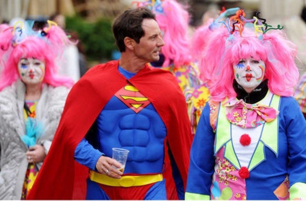 Ob Karneval, Fasching oder Fasnet - so kommen Sie klar, wenn es hoch hergeht. Foto: AFP