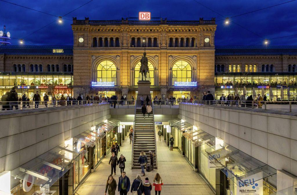 Der Vorfall ereignete sich am Hauptbahnhof in Hannover. Foto: imago images/Arnulf Hettrich