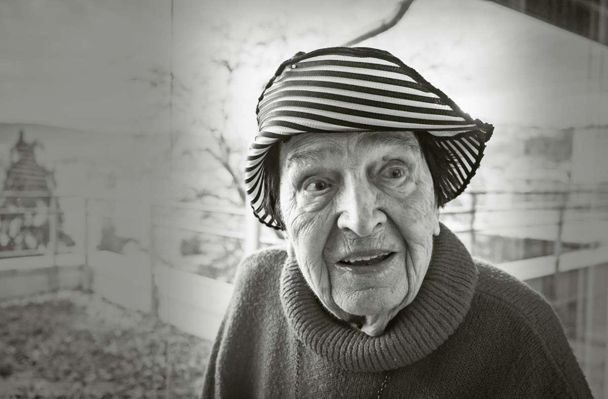 Kurz vor ihrem 100. Geburtstag ist dieses Foto entstanden:  Anni Weigand,   die Grande Dame des Stuttgarter Puppenspiels, ist am Sonntag gestorben. Foto: Lichtgut/Achim Zweygarth