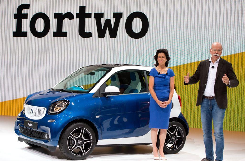 Annette Winkler und Dieter Zetsche bei der Smart-Weltpremiere 2014 in Berlin (Archivbild). Foto: dpa