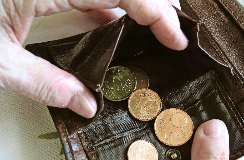 Einer wachenden Zahl alter Menschen reicht ihre Rente nicht zum Leben. Foto: dpa-Zentralbild
