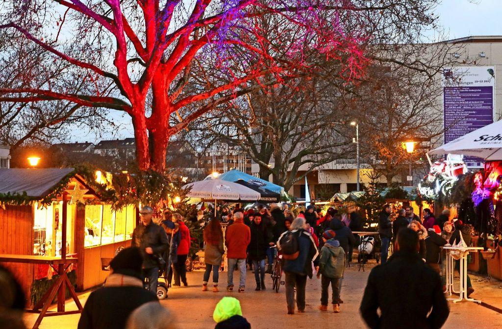 Der Böblinger Weihnachtsmarkt findet auf dem Elbenplatz statt. Foto: factum/Granville