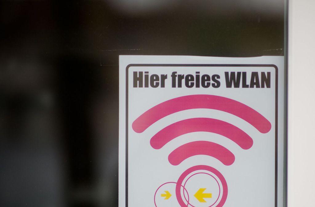 Das Internet spannt sich in Esslingen vom Hochmittelalter aus in die Neuzeit. Foto: dpa