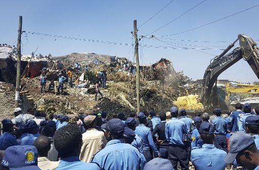 Dutzende sterben bei Erdrutsch auf Müllhalde