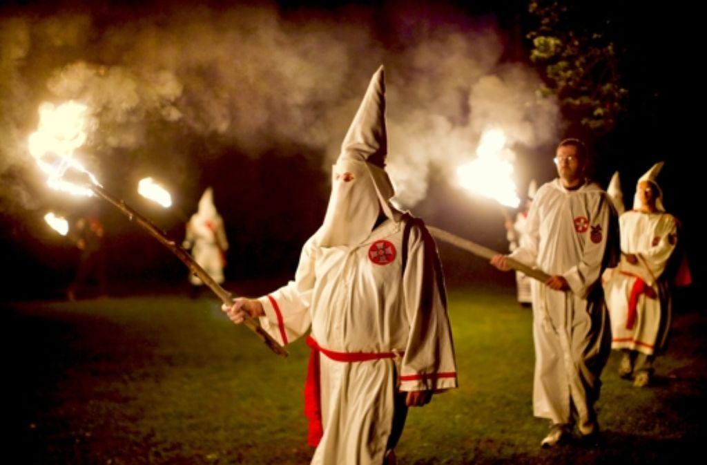 Der Untersuchungsausschuss des Landtags bleibt den Polizisten beim Ku-Klux-Klan auf der Spur. Foto: EPA