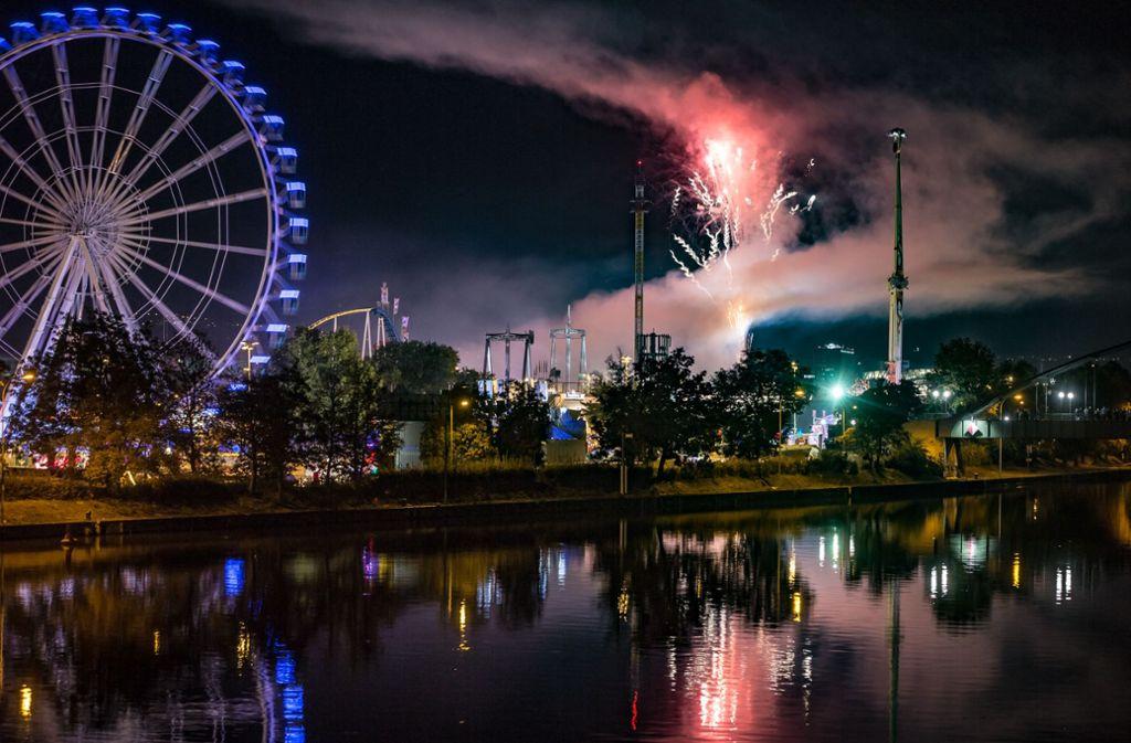 Es ist vorbei: Das Volkfest in Stuttgart ist mit einem Feuerwerk zu Ende gegangen. Foto: Lichtgut/Julian Rettig