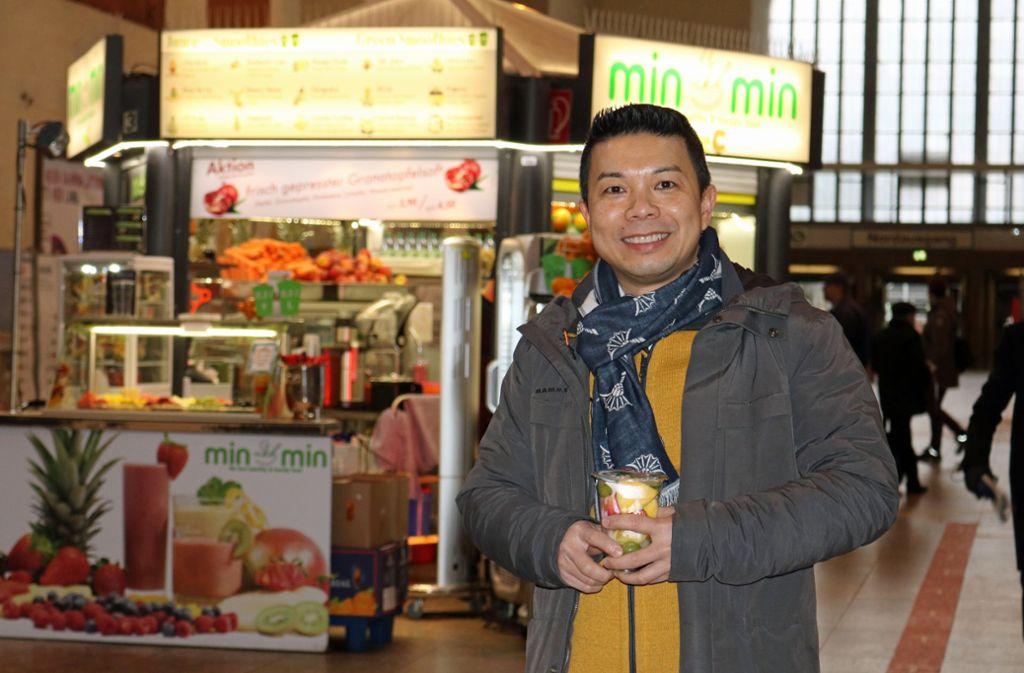 """Gastronom Huong-Tien Do betreibt seit fünf Jahren das """"Minmin"""" im Stuttgarter Bonatzbau. Foto: Jonas Schöll/StZN"""