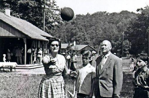 Gründerin der Nähstuben und Waldheimtante