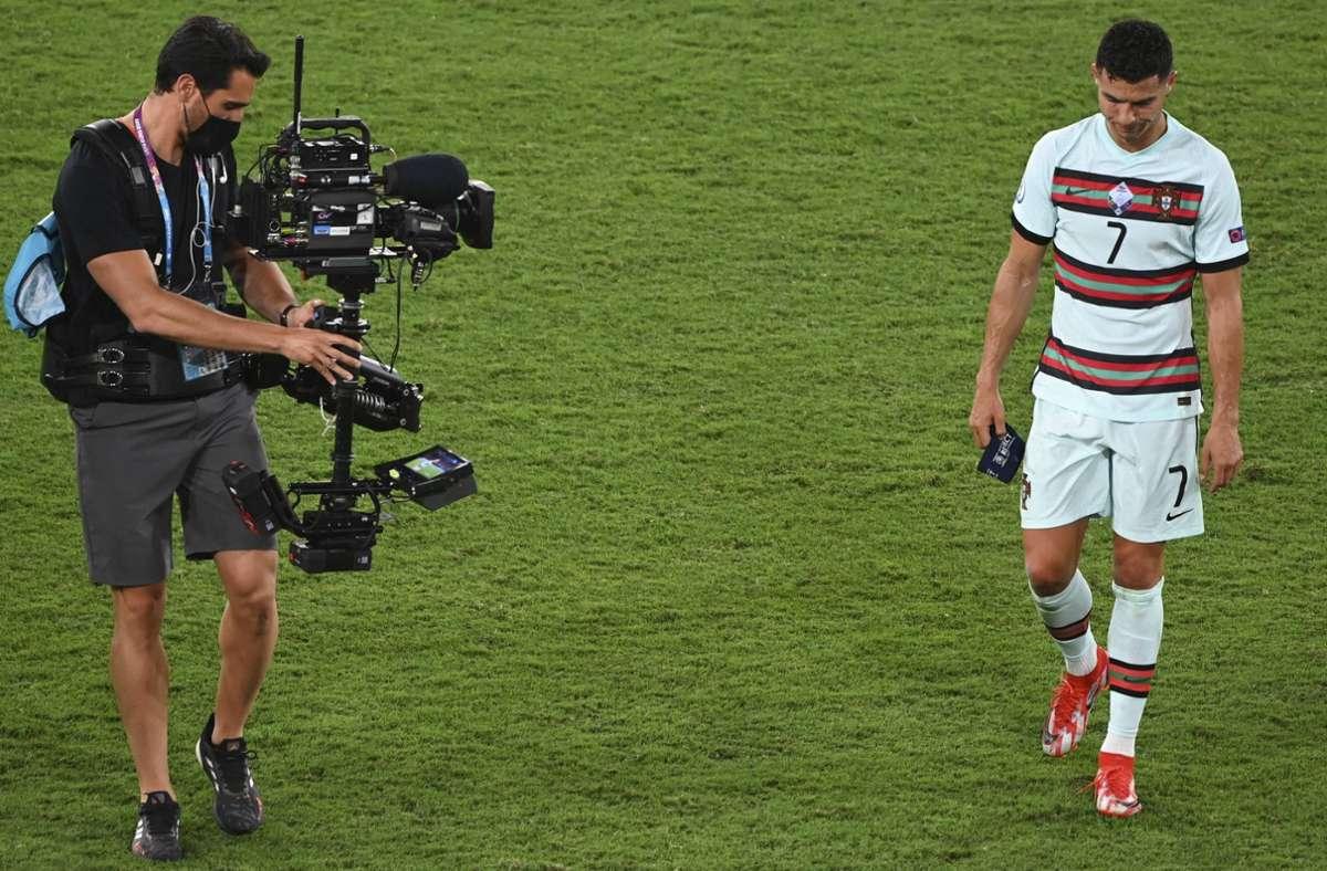 Der traurige Abgang von Cristiano Ronaldo – in unserer Galerie finden Sie weitere Bilder vom wahrscheinlich letzten EM-Auftritt des portugiesischen Superstars. Foto: imago/Vincent Kalut