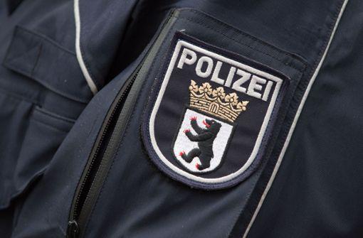 Nach Attacke auf Polizisten vor Kneipe: 42-Streifenwagen rücken aus
