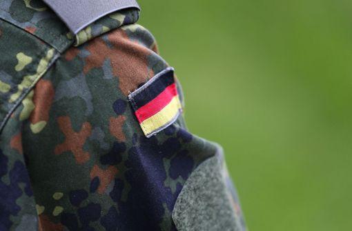 Bundespolizei holt falschen Bundeswehrsoldaten aus Zug