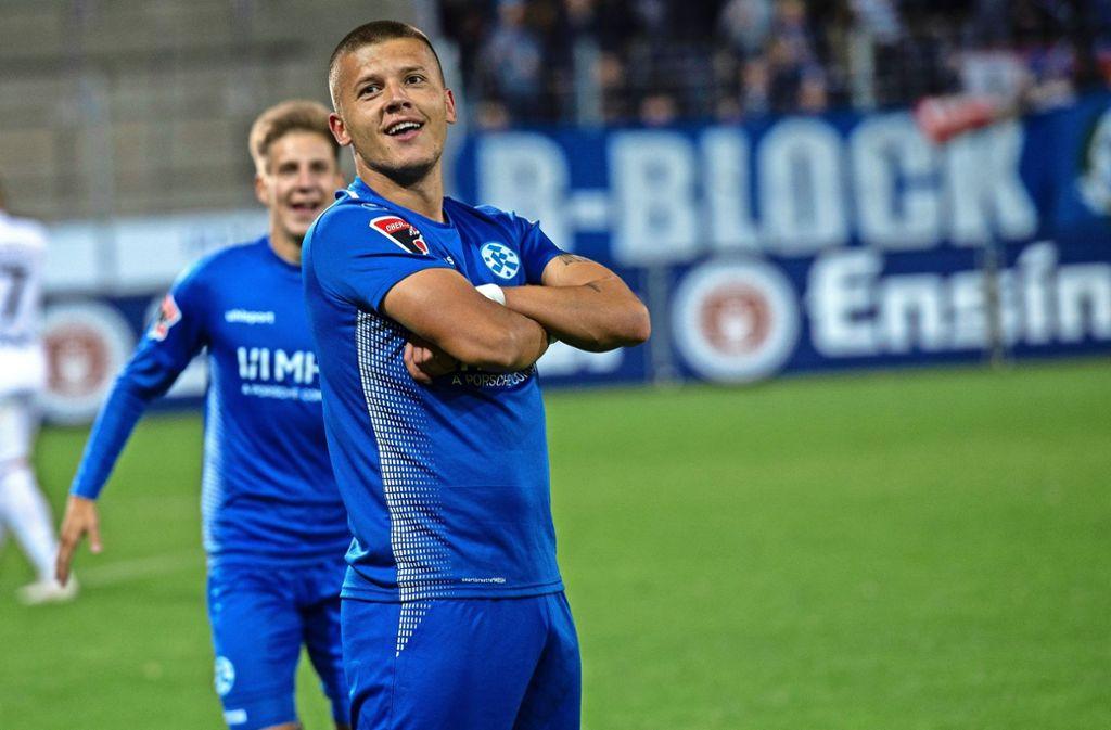 Jubelt wie Paris-Star Kylian Mbappé: Kickers-Stürmer Shkemb Miftari. Foto: Markus Schwarz