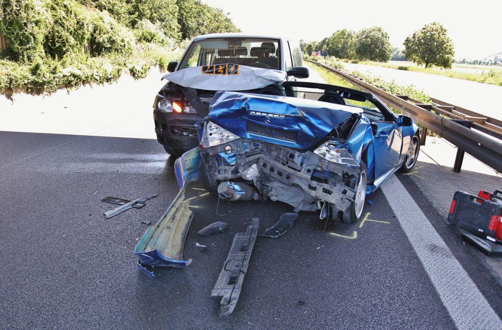 ...auf ein Mercedes-Cabrio aufgefahren.  Foto: 7aktuell.de/Kevin Lermer