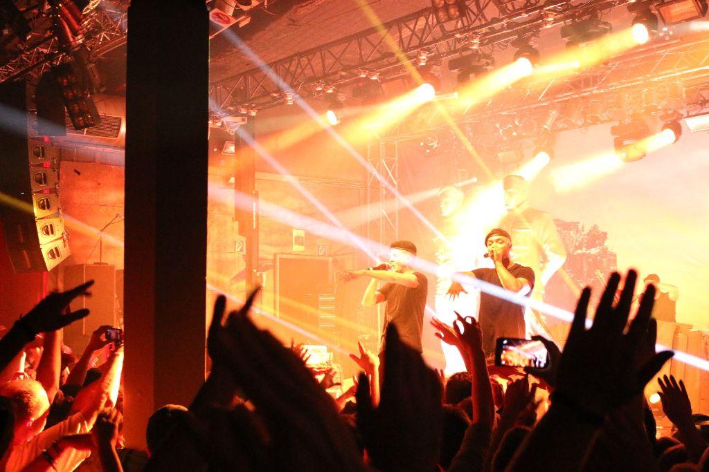 K.I.Z. beim ersten von zwei ausverkauften Konzerten im LKA in Stuttgart. Weitere Bilder zeigen wir in der folgenden Fotostrecke. Foto: L. R. Fotografie